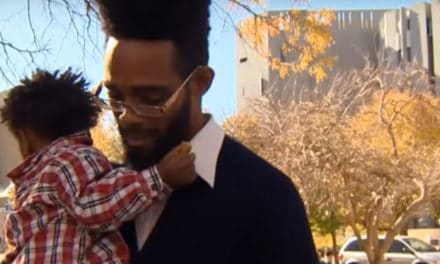 Homeless Dad Pays It Forward In The Best Way