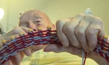 Morrie Boogart a 91-Year-Old Man Knits Hats For The Homeless